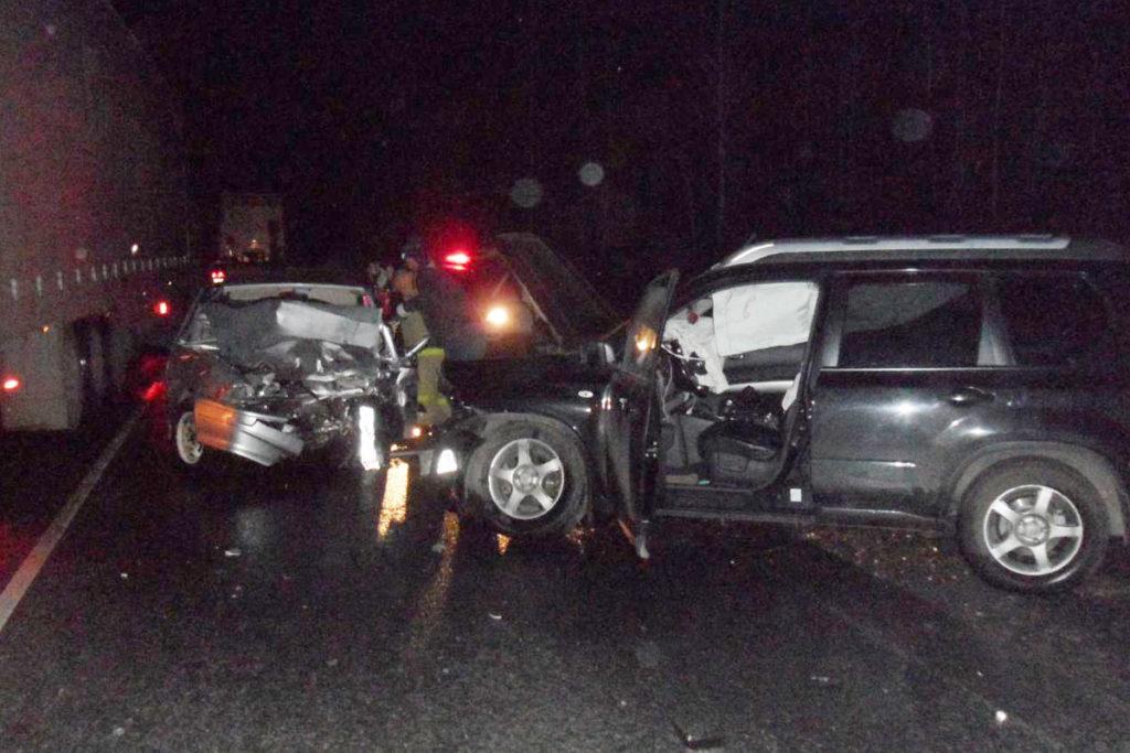 на 364-м километре трассы Тюмень – Омск в Абатском районе столкнулись автомобили «Лада» 15-й модели и «Ниссан Х-Trail»