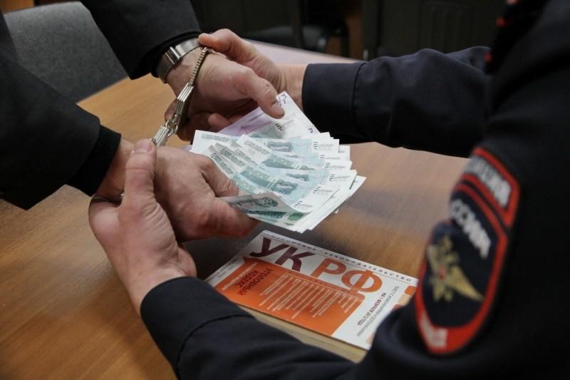 Зоотехник «Боровской» птицефабрики попался навзятках