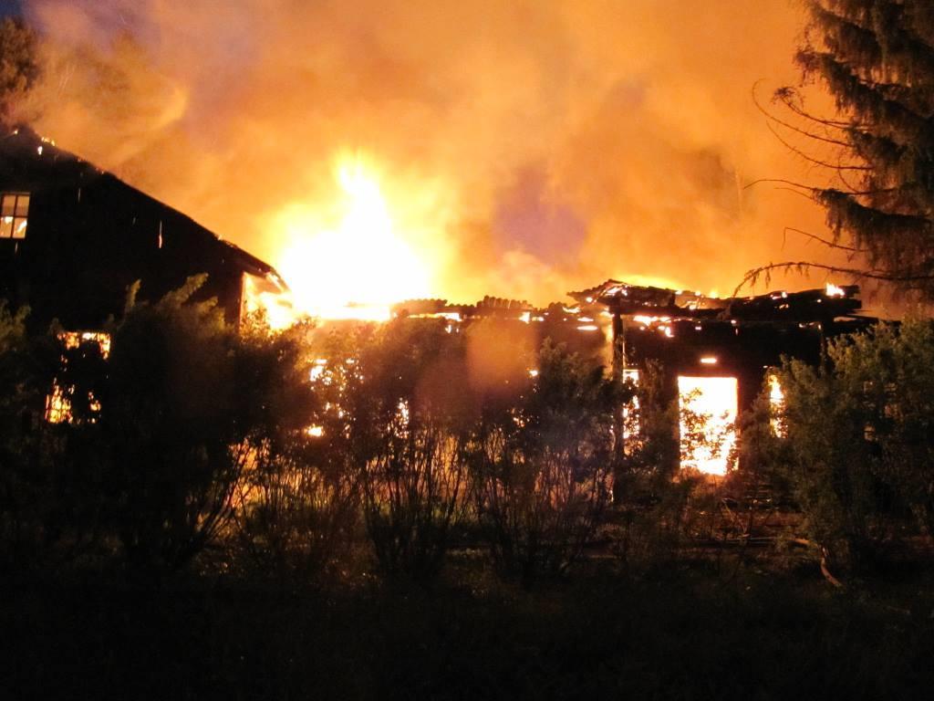 ВЗаводоуковске полыхал пожар натерритории санатория Нива