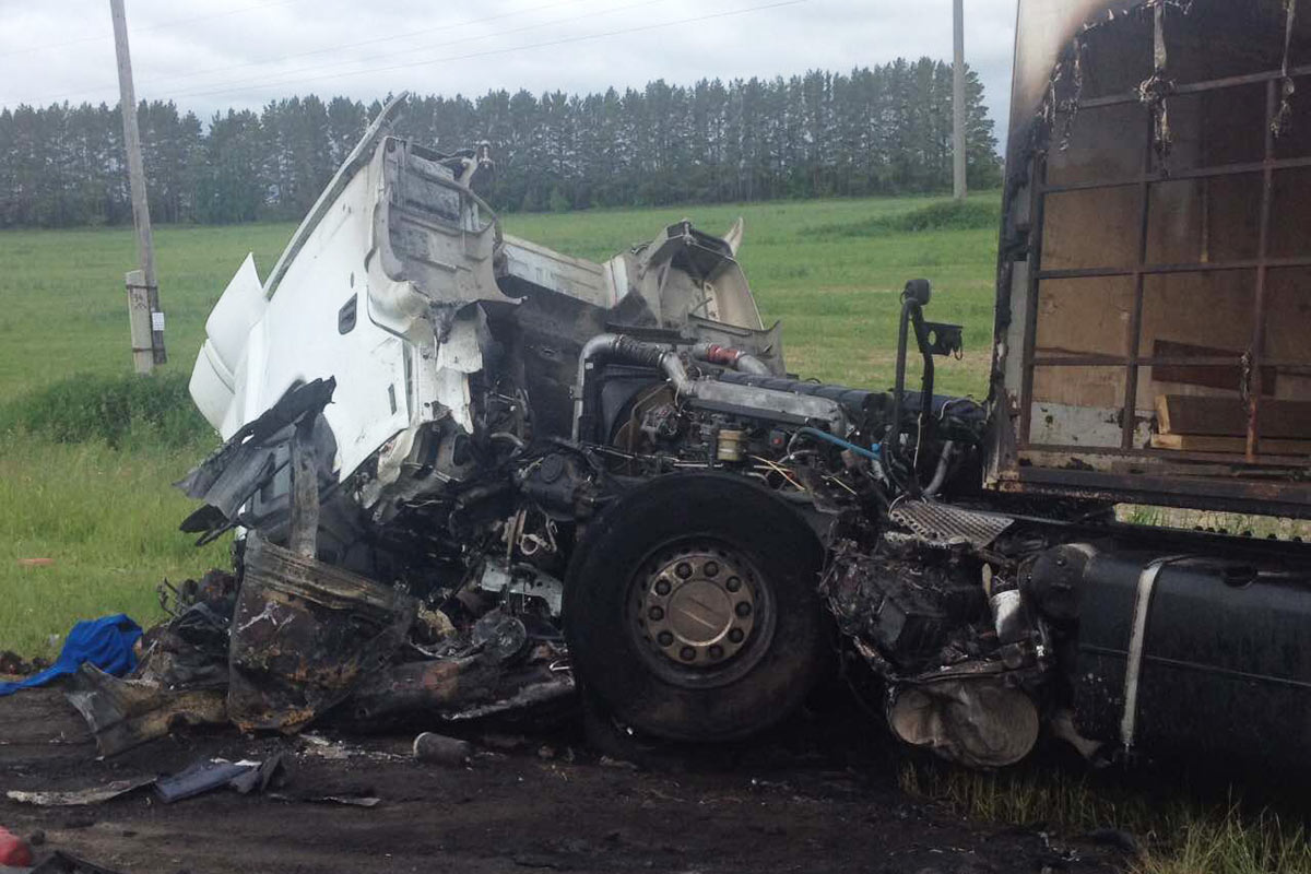 Натрассе Курган— Тюмень столкнулись легковушка и грузовой автомобиль, два человека погибли