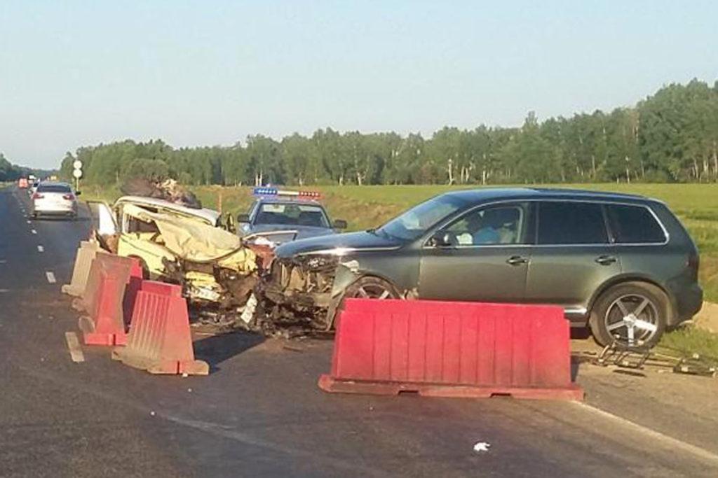 Около 17 час.40 мин. на 204-м километре федеральной автодороги Тюмень-Омск водитель на «Жигулях» шестой модели въехал в попутный автомобиль «Фольксваген Поло»