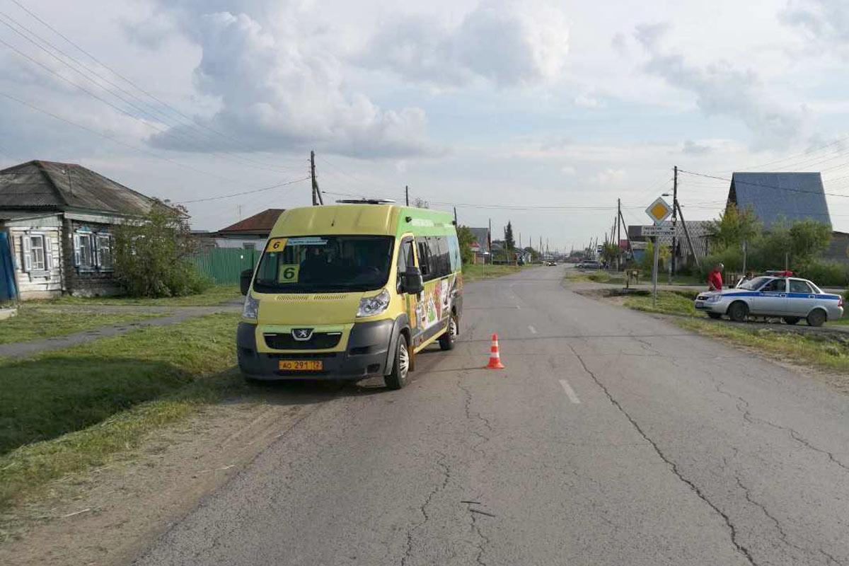 ВТюмени маршрутка сбила 10-летнего велосипедиста