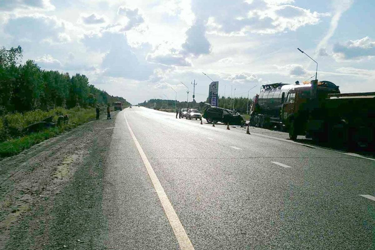 Натрассе Тюмень-Ханты-Мансийск вДТП пострадали 5 человек— Опасный маневр