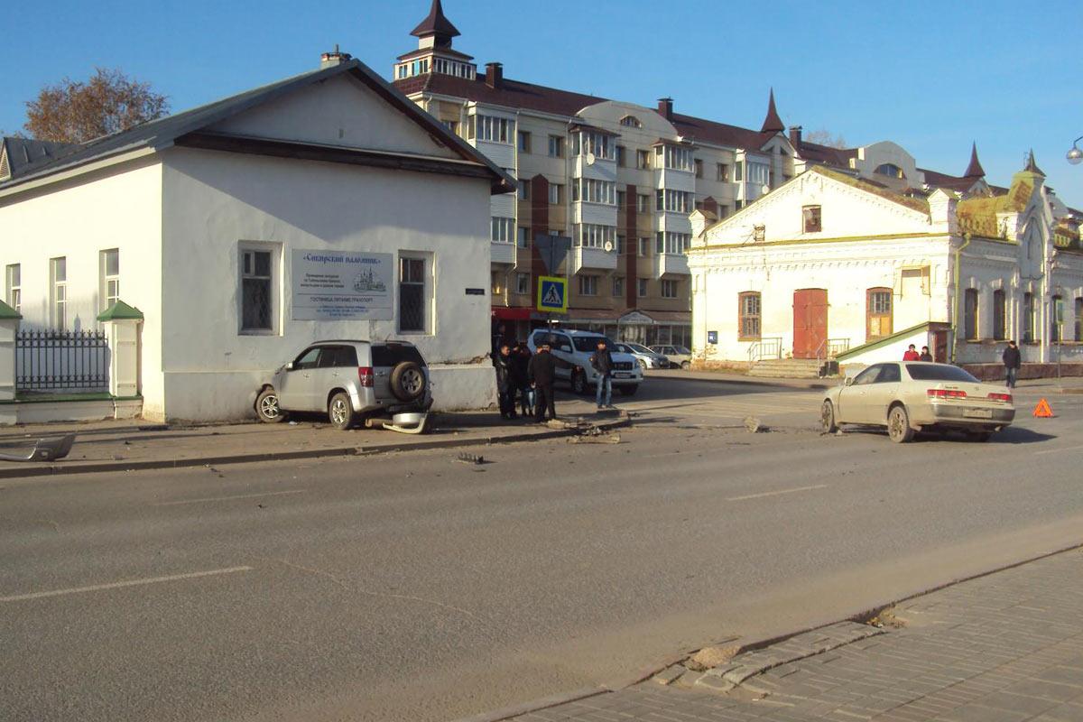 ВТюмени сбили школьницу, переходившую дорогу вне «зебры»
