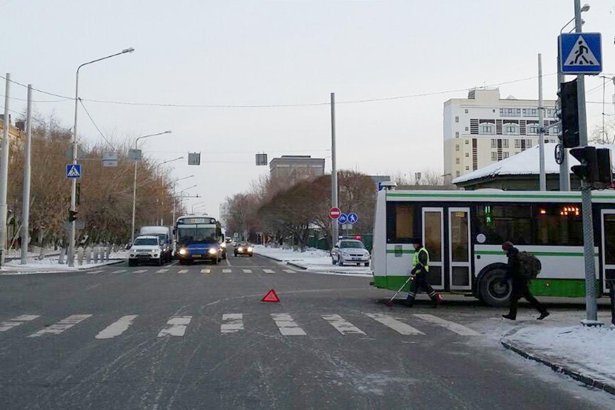 Наперекрестке Полевой иЯмской автобус столкнулся синомаркой