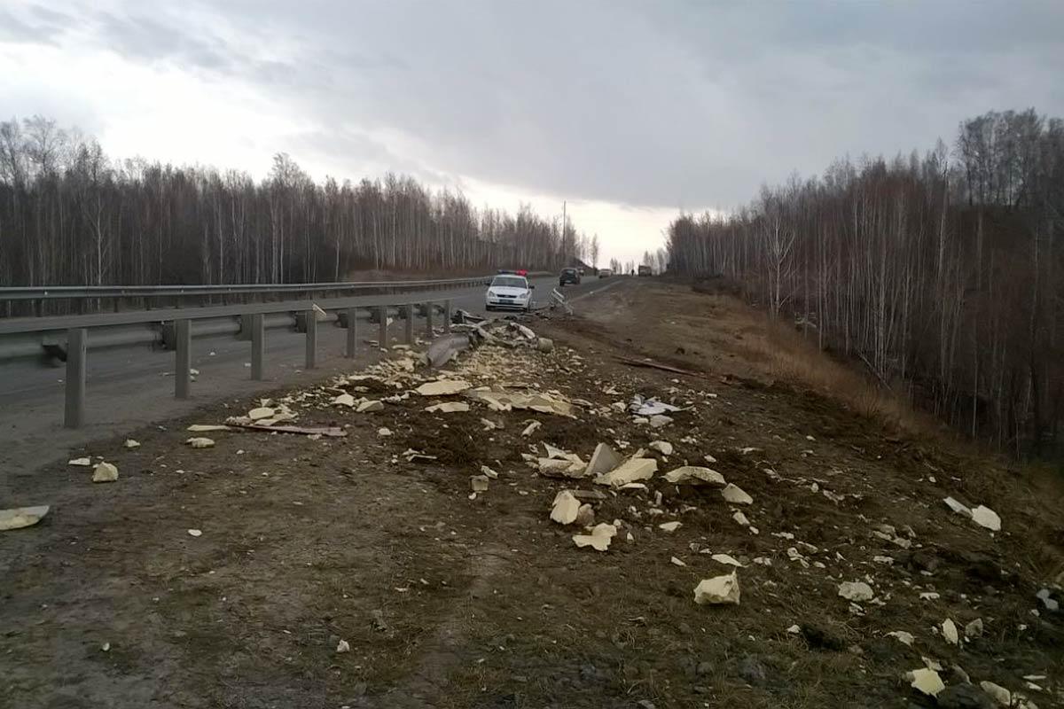 ДТП натрассе Тюмень— Омск: в трагедии умер шофёр легковушки