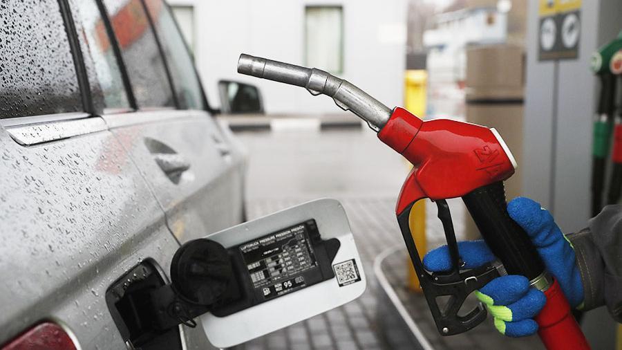 Власти назвали цены набензин после Нового года